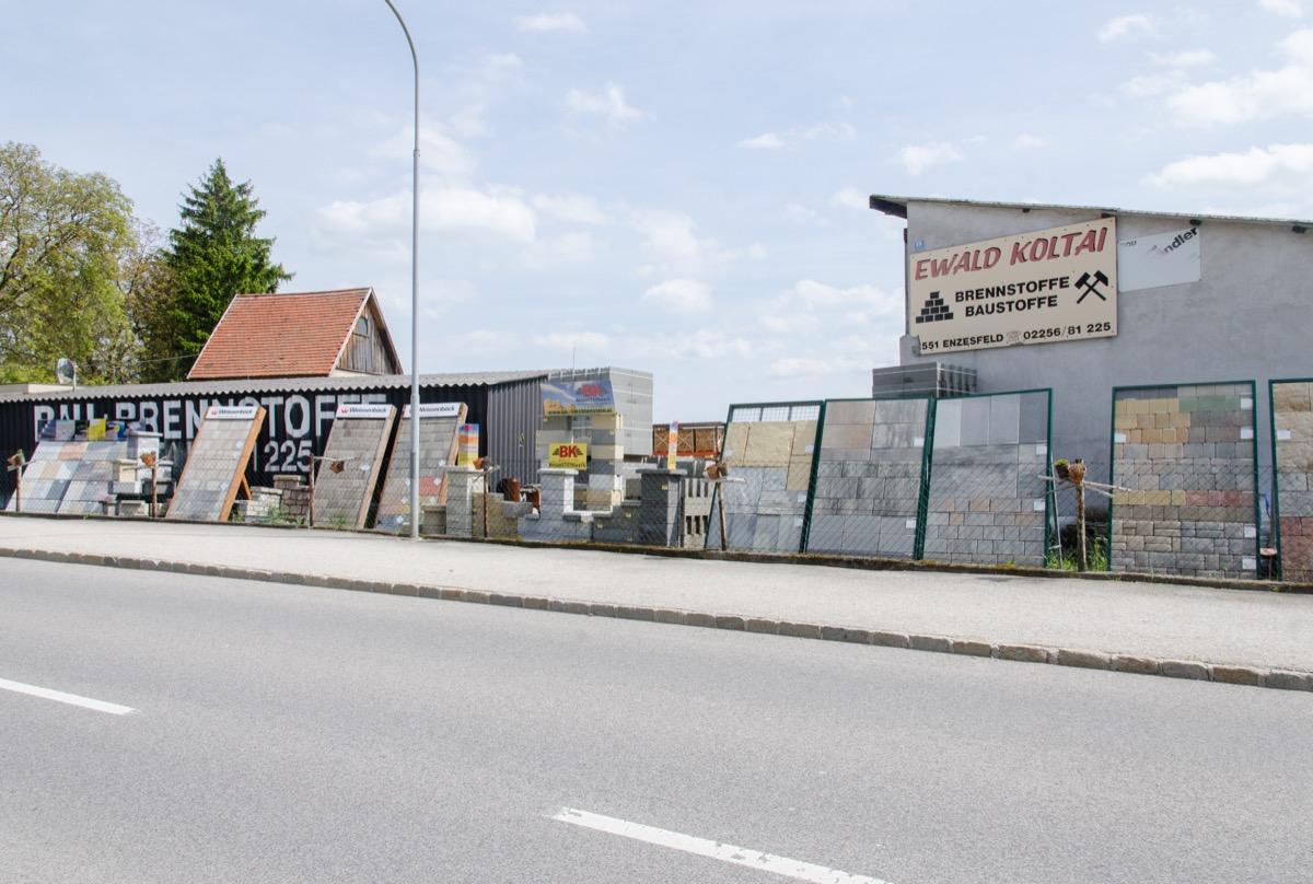 Straßenansicht Koltai Bau- und Brennstoffe